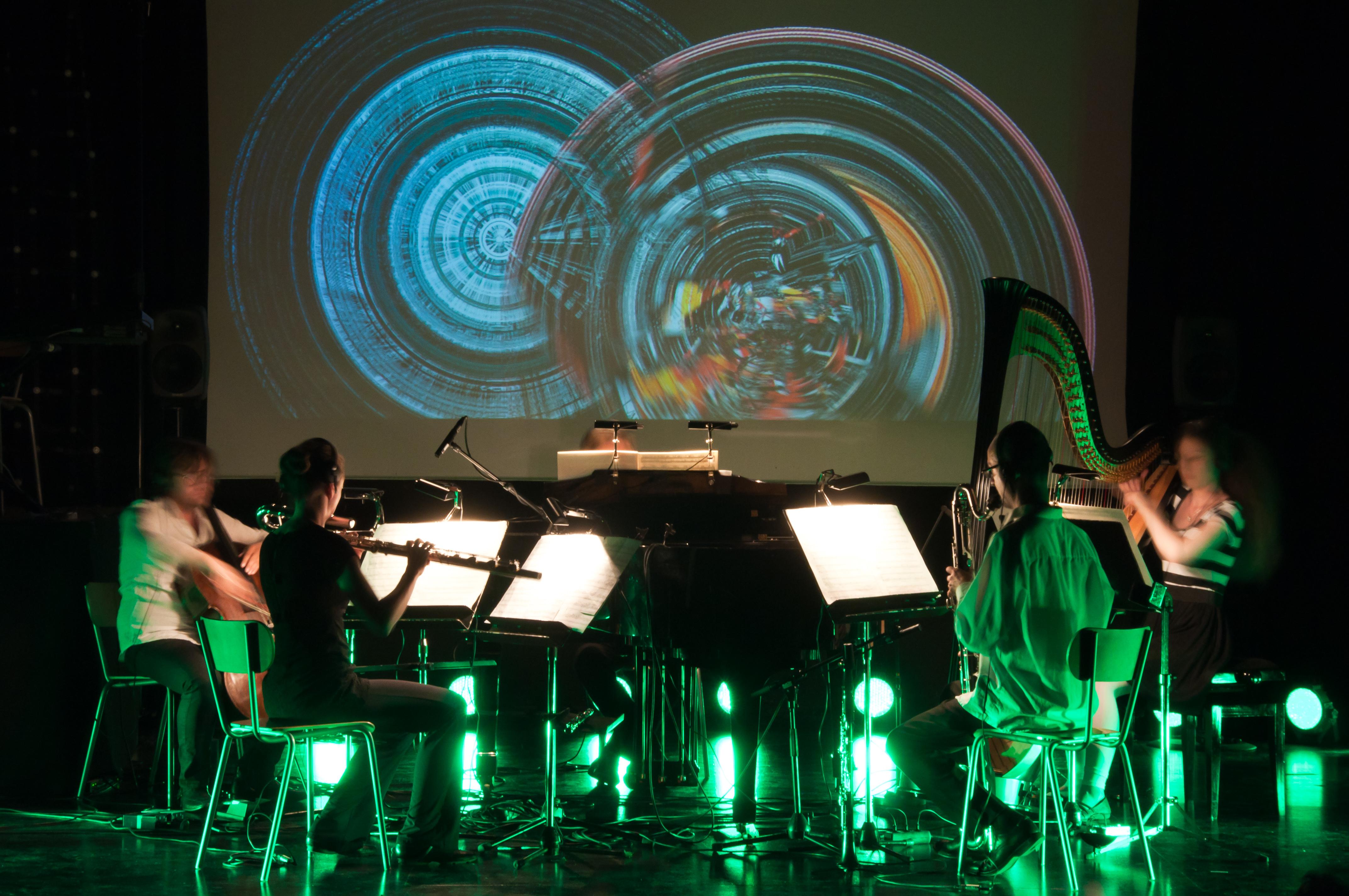 defunensemble_performing-O-copyright-Ville_Mattila